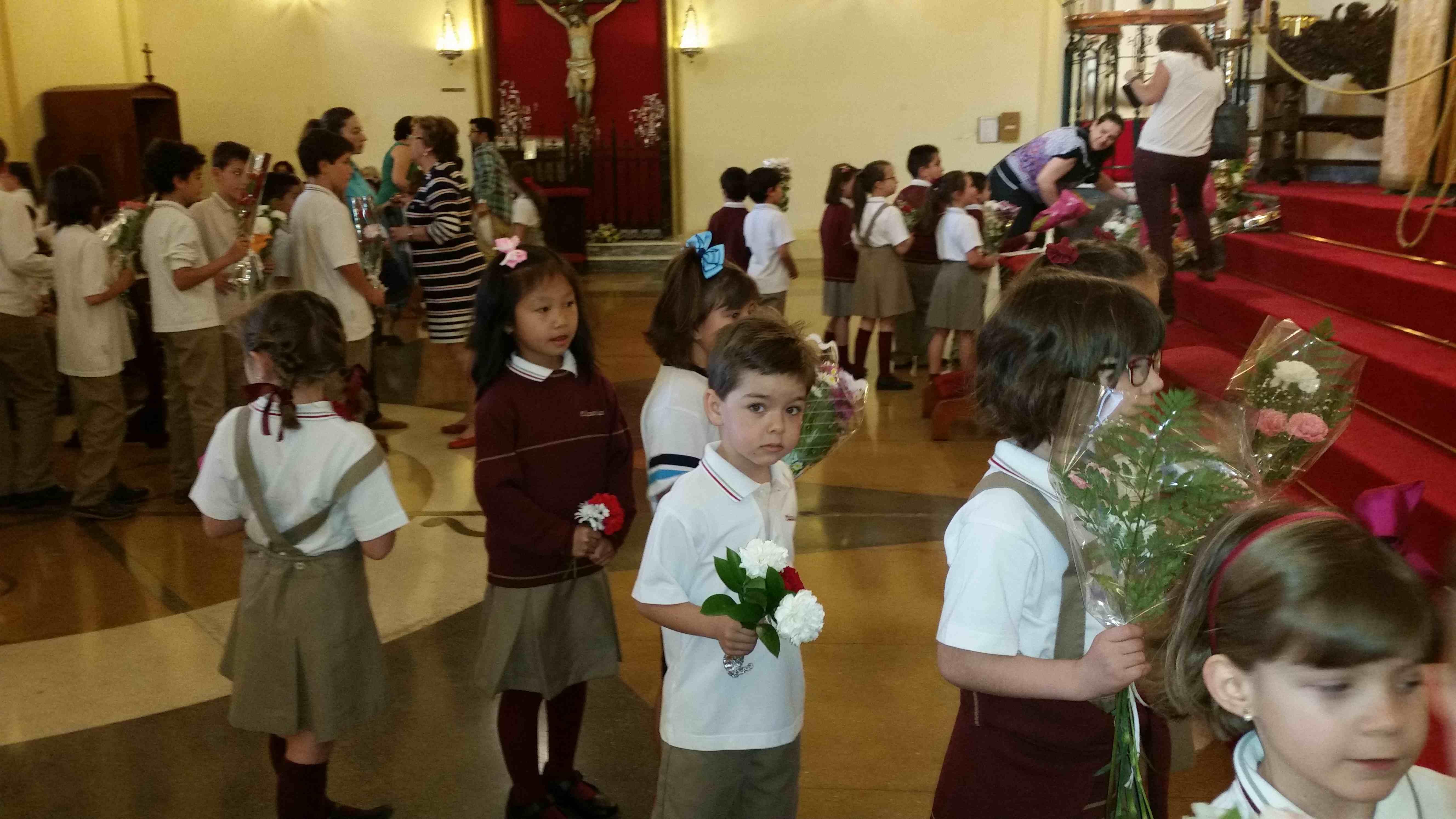 Ofrenda de flores a la Virgen de la Villa 201520150508_095236