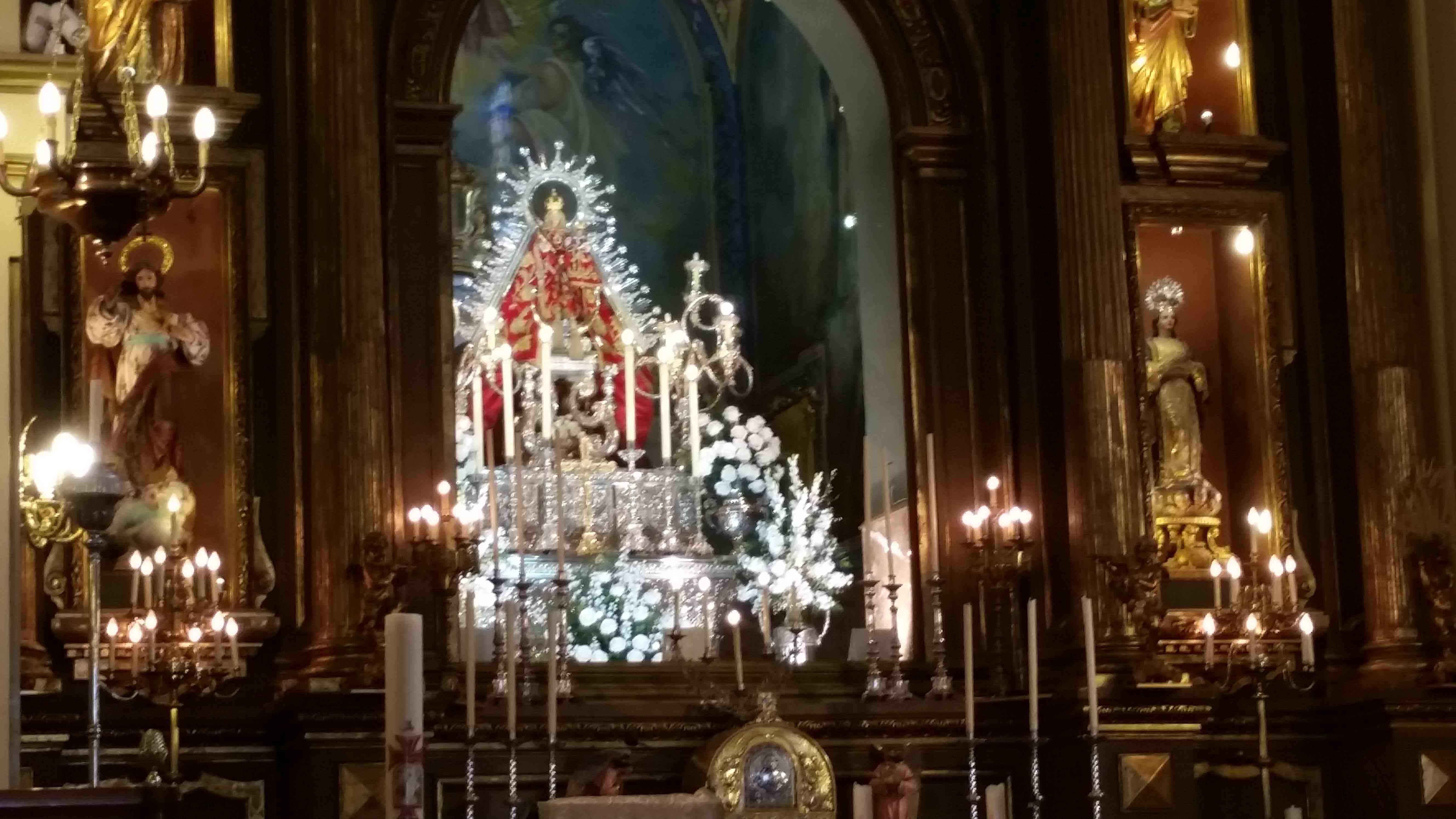 Ofrenda de flores a la Virgen de la Villa 201520150508_095950